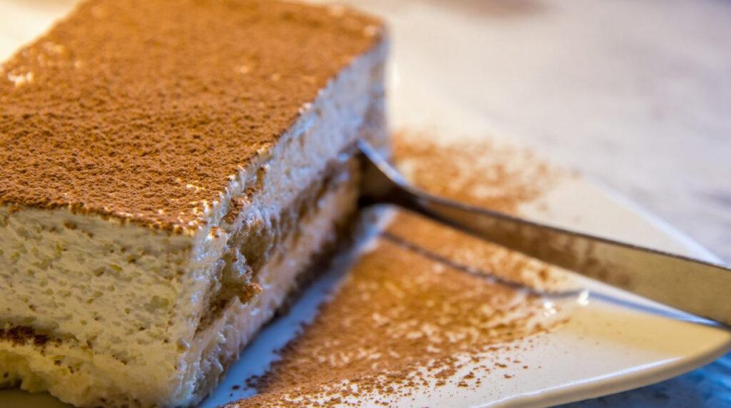 Tortine tiramisù light, il dolce monoporzione SENZA mascarpone e savoiardi. Solo 190 Kcal!