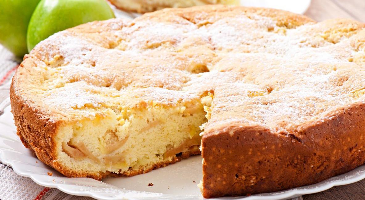 La torta di mele light tutta nel frullatore