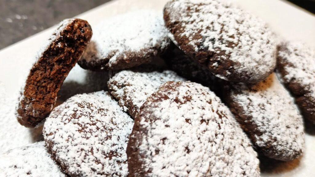 Biscotti al cioccolato 3 ingredienti SENZA burro, latte, uova e olio. Solo 35 Kcal!