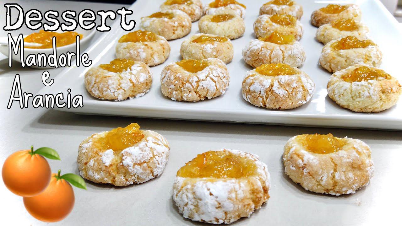 Biscotti mandorle e arancia