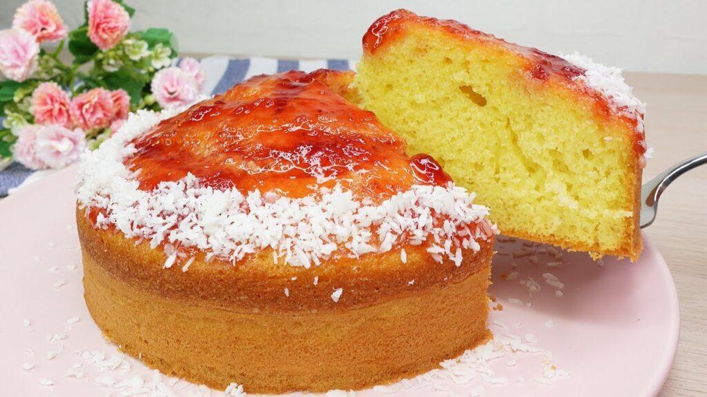 La torta 4 cucchiai alla marmellata light, finirà in un baleno. Solo 160 Kcal!