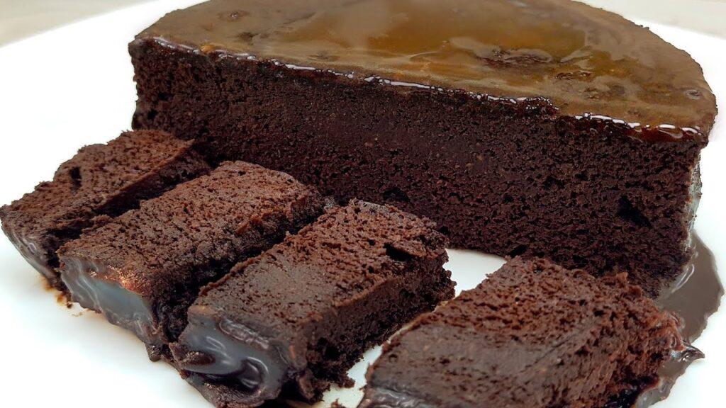 La torta al cioccolato super dietetica SENZA farina, pronta in 5 minuti. Ha solo 110 Kcal!