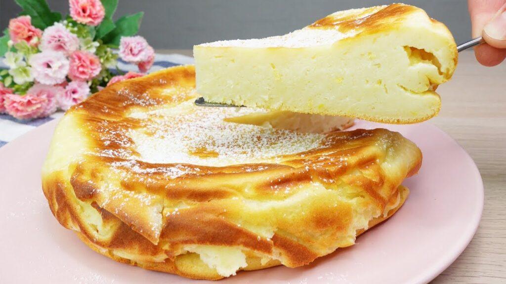 La torta super cremosa senza burro, davvero sofficissima e deliziosa. Ha solo 130 kcal!