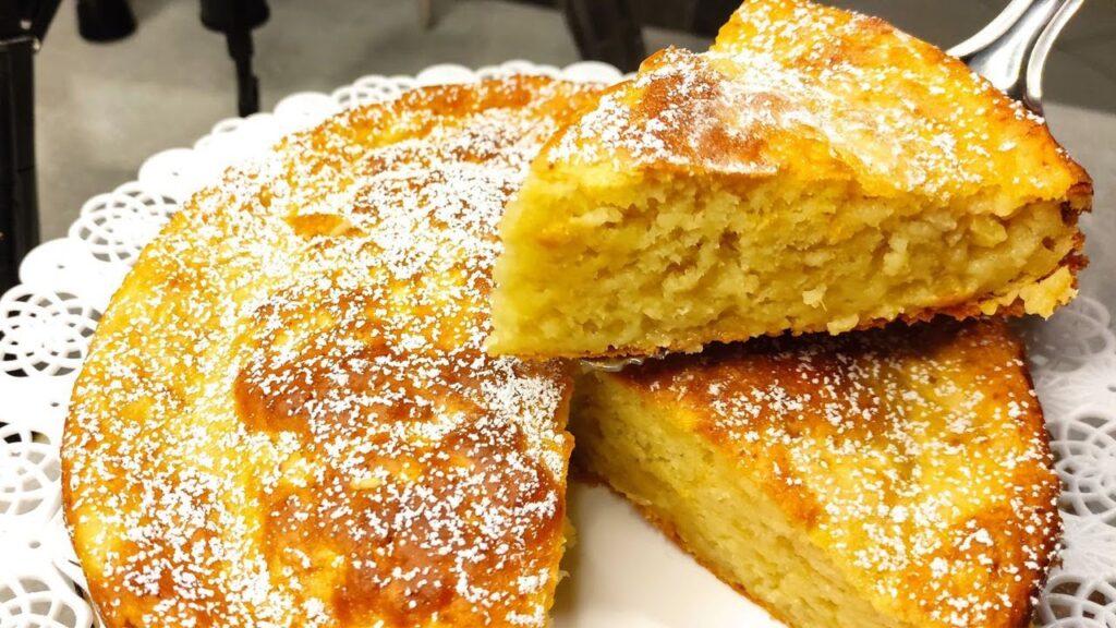 """La torta 2 mele frullata """"senza grassi"""", perfetta per la dieta. Ha solo 80 Kcal a fetta!"""