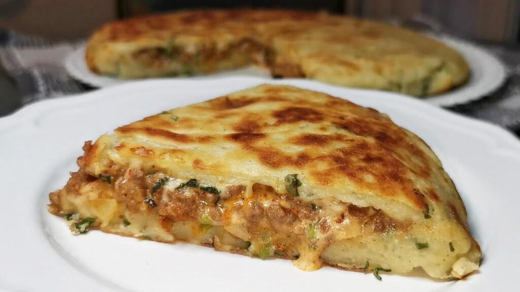 Torta di patate ripiena, un secondo piatto sfizioso e delizioso. Solo 260 Kcal!
