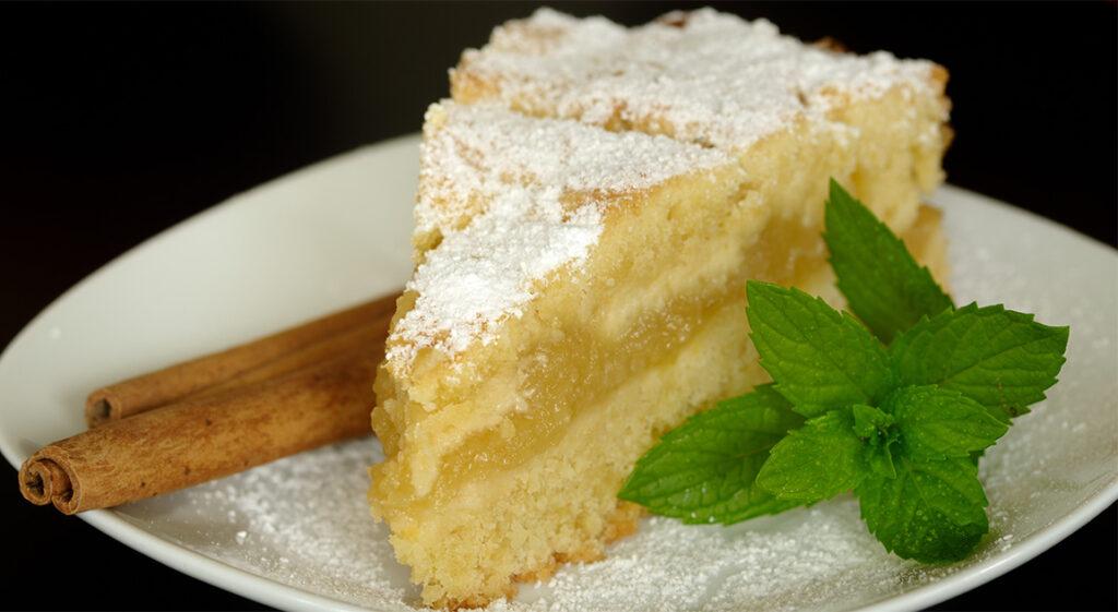 La torta di mele versata, da quando l'ho provata la faccio sempre. Ha solo 180 Kcal!