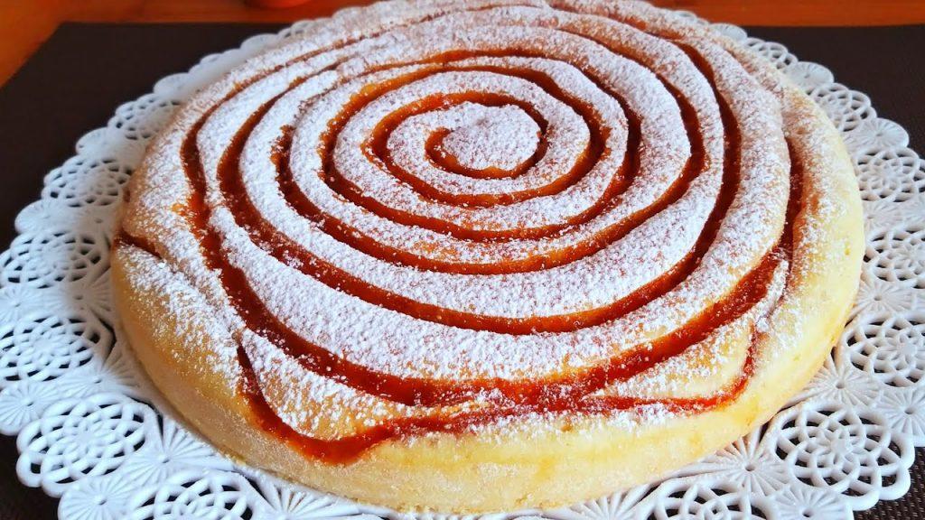 La torta alla marmellata di albicocche light, la ricetta soffice e deliziosa. Solo 180 Kcal!