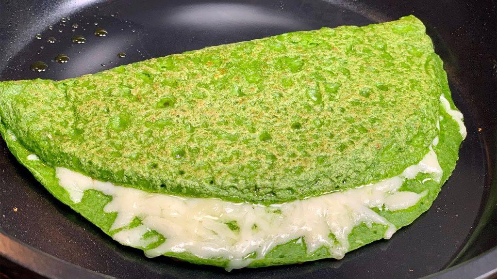 Crêpes di spinaci SENZA farina, per una cena veloce proteica e sfiziosa. Solo 115 Kcal!
