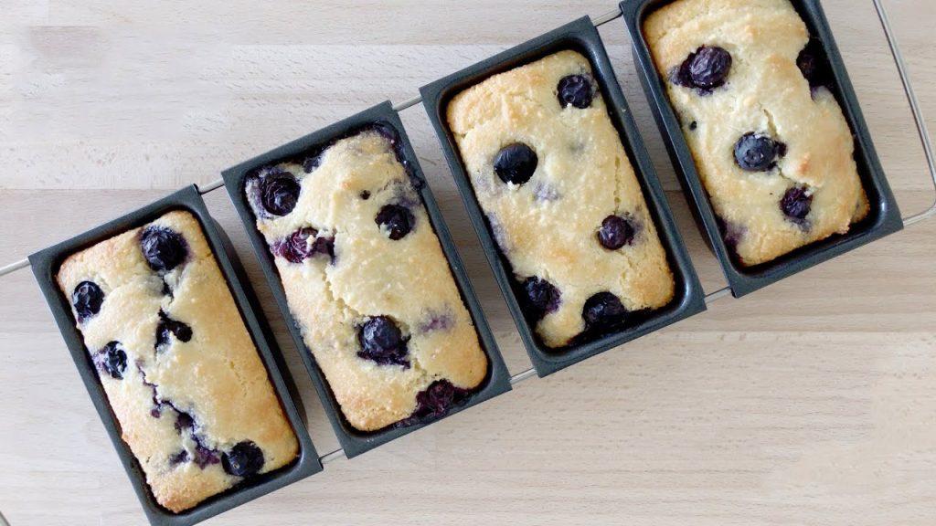 Muffin keto ai mirtilli, così buoni che li mangerai sempre a colazione. Solo 150 Kcal!