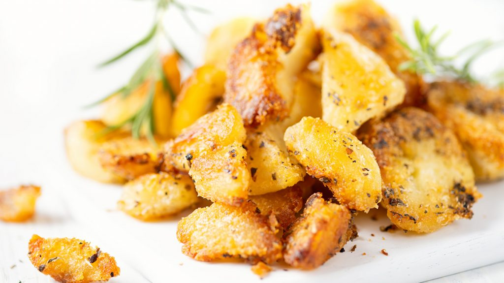 5 segreti per la perfetta cottura al forno di patate dorate e croccanti