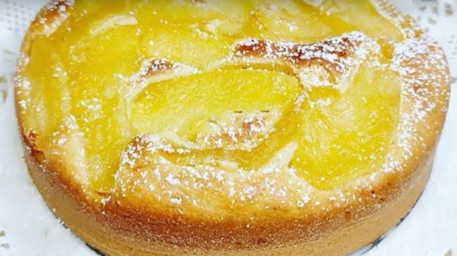 La torta di mele buona e leggera come quella della nonna. Ha solo 170 Kcal!