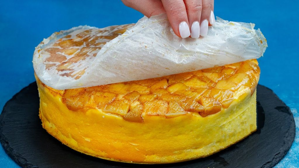 La torta di mele senza farina super proteica, ottima per gli sportivi. Ha solo 160 Kcal!