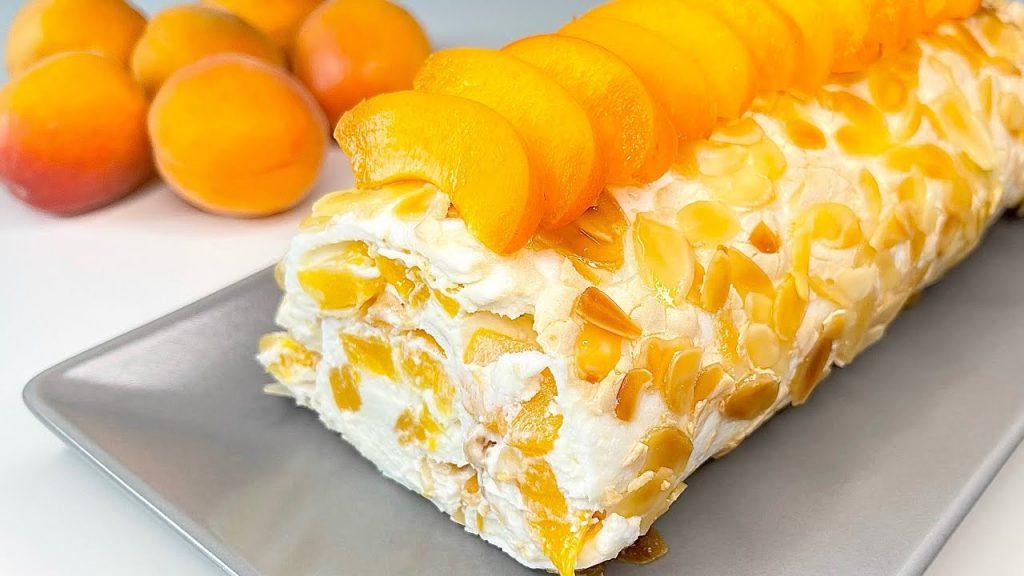 Una torta fredda alla crema e albicocche così, non l'ho mai assaggiata. Solo 170 Kcal!