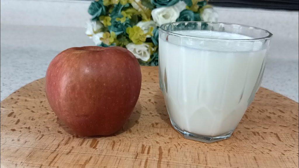 Il frullato di mele, la bevanda dissetante e povera di zuccheri da bere in estate. Solo 140 Kcal!