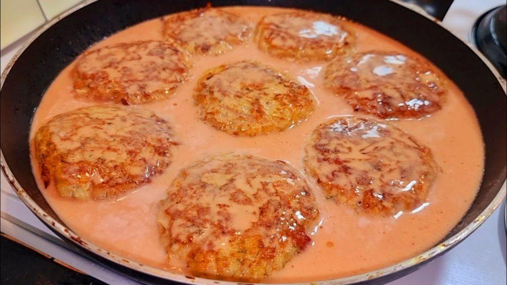 Hamburger di pollo in salsa, non lo avete mai provato così. Ha solo 120 Kcal!