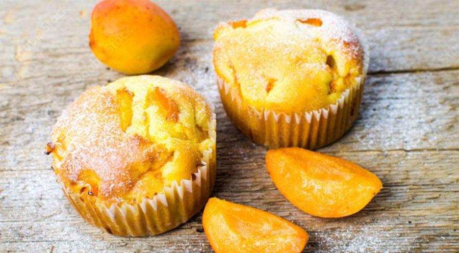 Muffin di albicocche, come farli soffici e gustosi per una colazione da favola. Solo 100 Kcal!