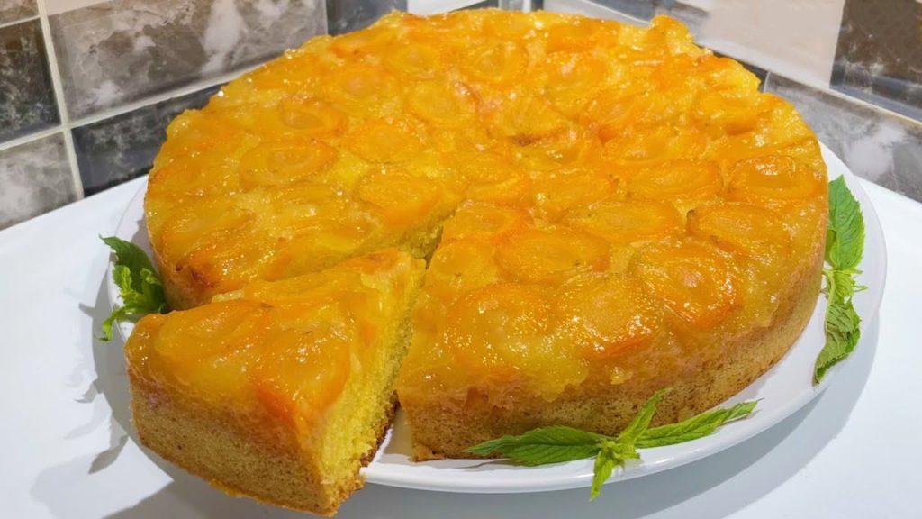 Una torta alle albicocche così buona non l'avete mai assaggiata. Ha solo 160 Kcal!