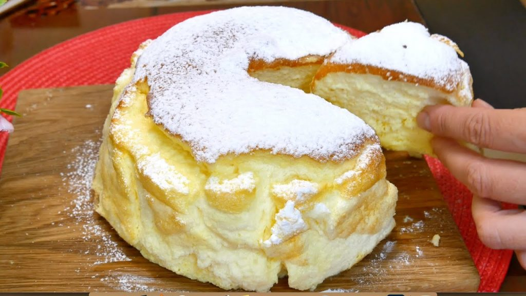 Una torta così soffice non l'ho mai provata, pochissimi ingredienti e ha solo 100 calorie!