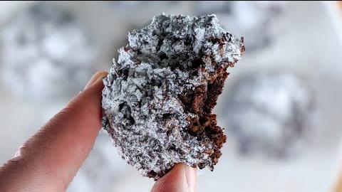 Biscotti cocco e cacao, senza farina, latte e tuorli. Davvero squisiti, hanno solo 60 Kcal!