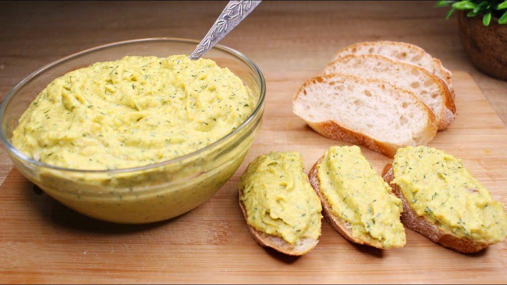 La crema di zucchine da gustare su quello che volete, pane, crostini e pasta. Solo 75 Kcal!