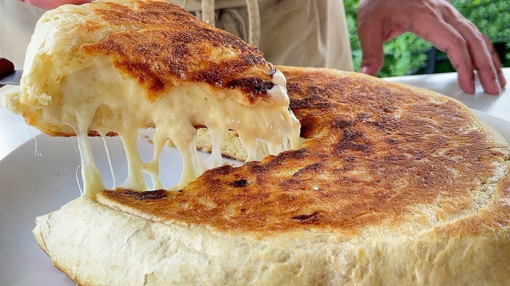 Non comprerete mai più pane! Al formaggio e si cuoce senza forno, ha solo 220 Kcal