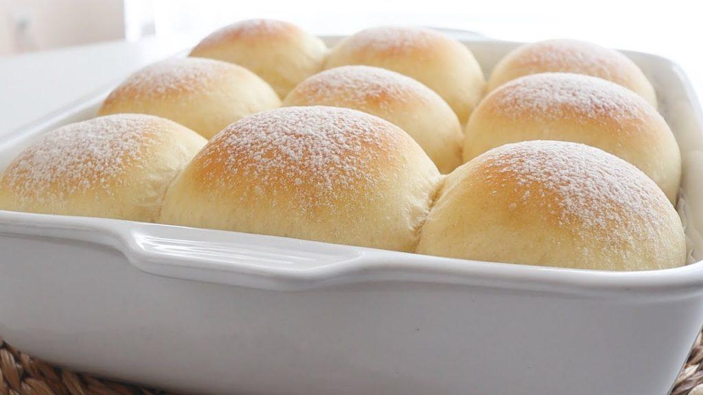 Come fare dei panini al latte morbidissimi senza burro, perfetti per la dieta. Solo 170 Kcal!