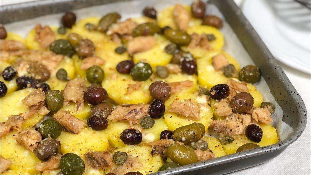 Patate alla siciliana al forno, un contorno delizioso che piacerà a tutti. Solo 190 Kcal!