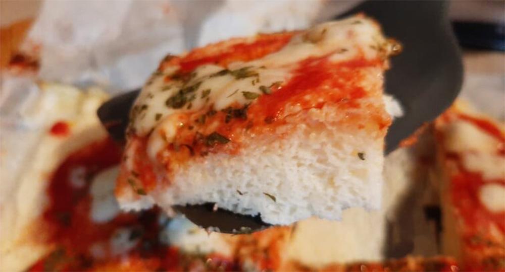 La pizza low carb ultra dietetica, l'avete mai fatta così? Ha solo 260 Kcal!