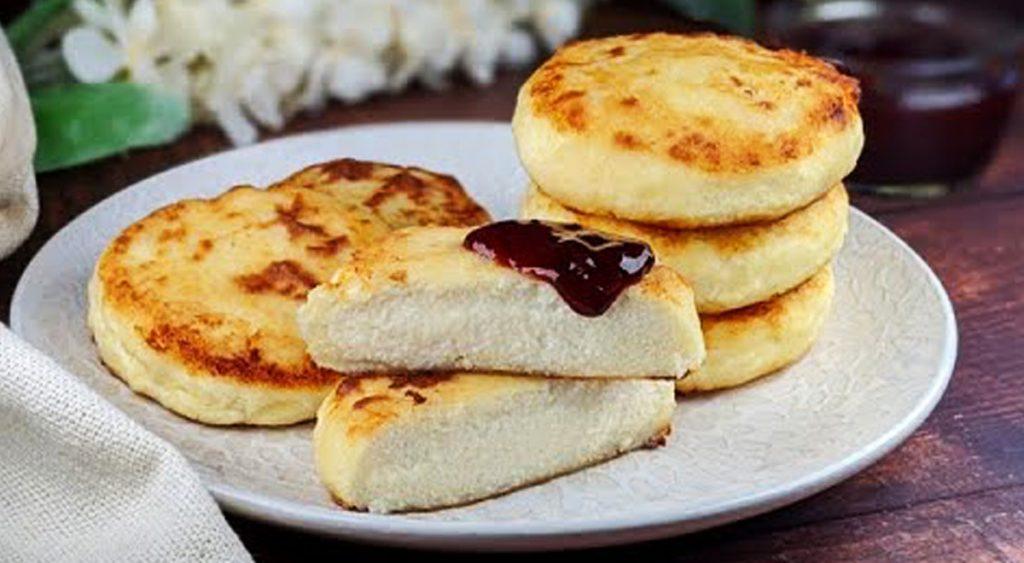 I syrniki, la colazione russa con pochissimi ingredienti da provare subito. Solo 160 Kcal!