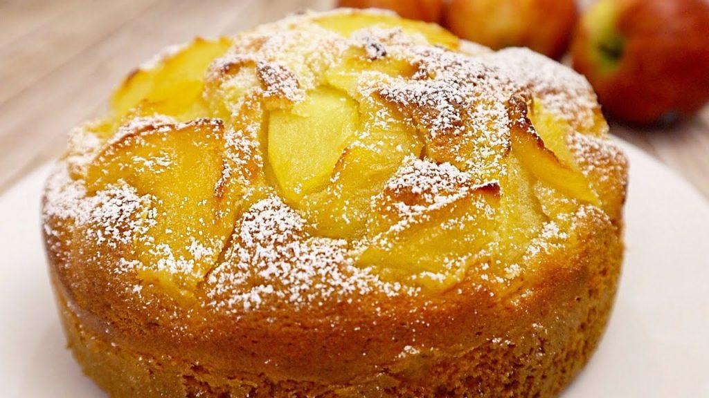 La torta di mele soffice come quella della nonna, deliziosa. Ha solo 190 Kcal!