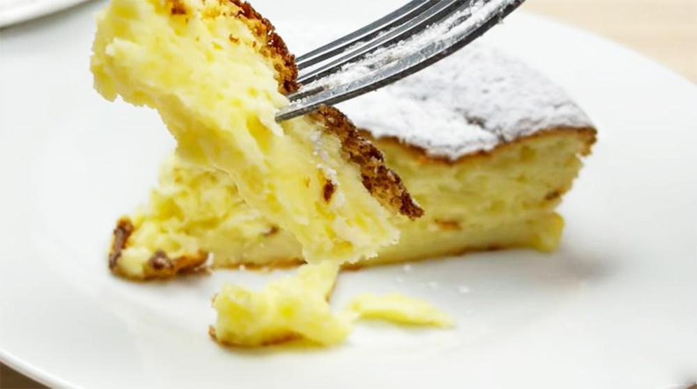 La torta allo yogurt e limone, il dolce light che si scioglie in bocca. Solo 110 Kcal!