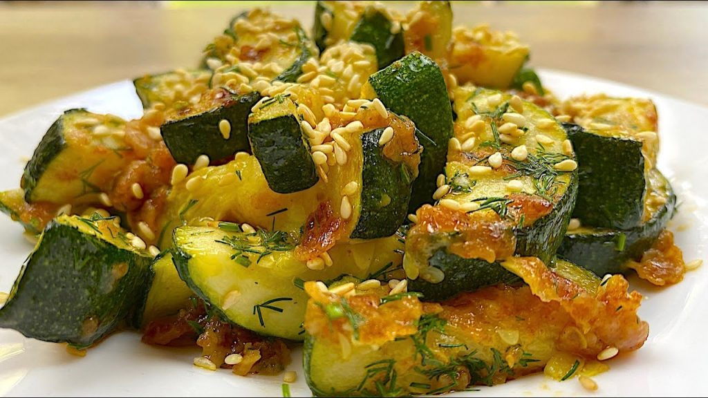 Avete mai provato le zucchine aromatizzate? Sono davvero buonissime e hanno solo 130 Kcal!