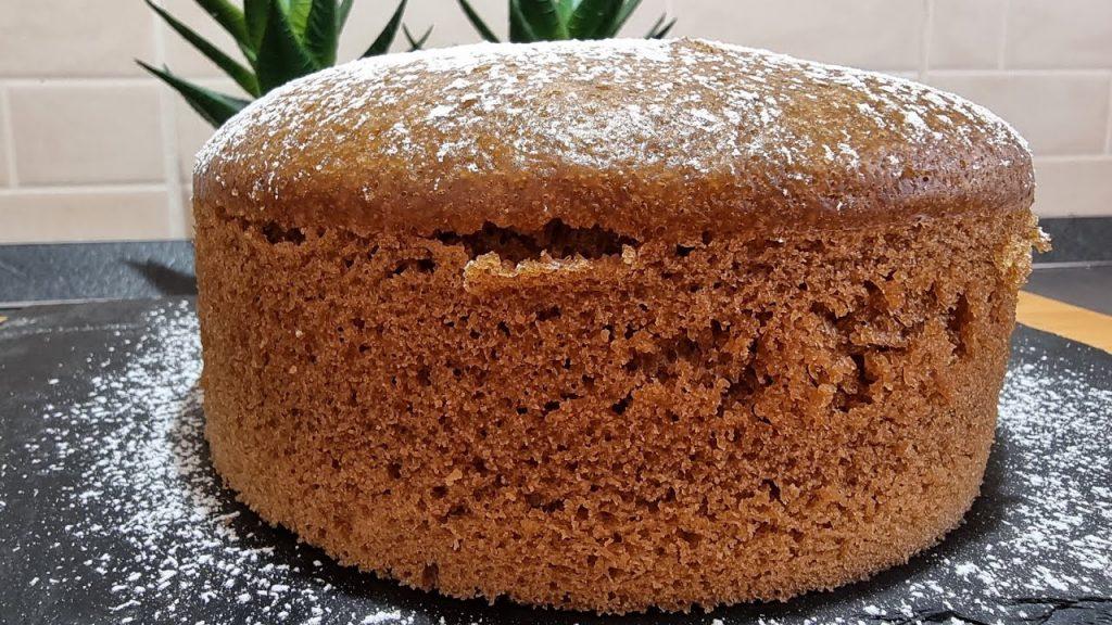 La torta al caffè senza burro altissima e sofficissima, ha solo 170 calorie!