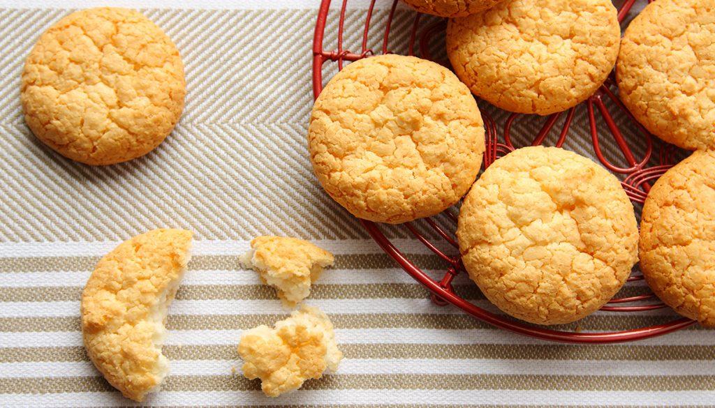 Biscotti 3 ingredienti senza uova, burro, olio e latte, ma deliziosi. Solo 45 Kcal!