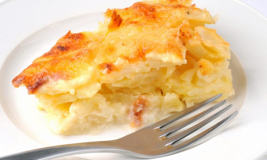 Una millefoglie di patate così cremosa e saporita non l'avete mai mangiata. Solo 170 Kcal!