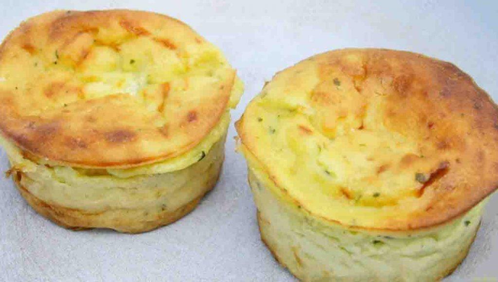 Muffin di zucchine e patate, per una cena sfiziosa e deliziosa. Solo 120 Kcal!