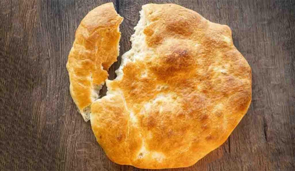Avete mai aggiunto una patata all'impasto per fare il pane? Delizioso! Solo 130 Kcal!