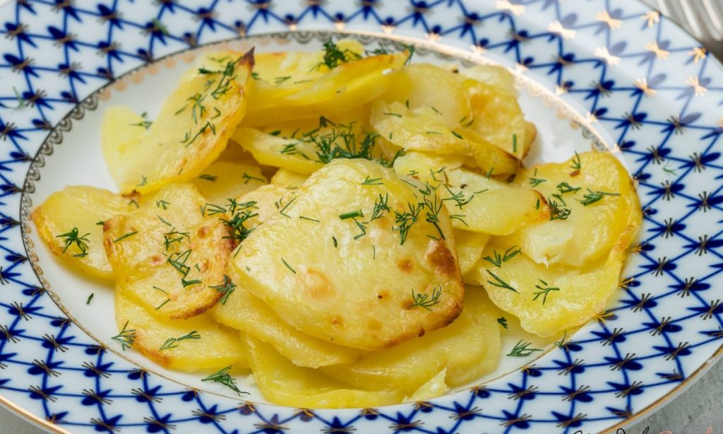 Avete mai provato a grigliare le patate? Fatelo, non ve ne pentirete, con sole 160 Kcal!