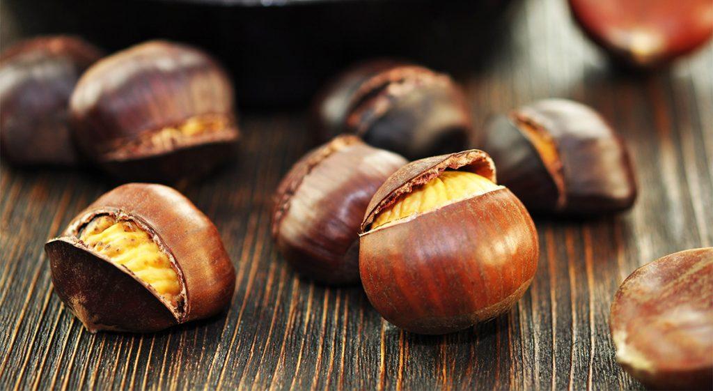 Il segreto per avere delle castagne perfette: al forno, in padella e al microonde