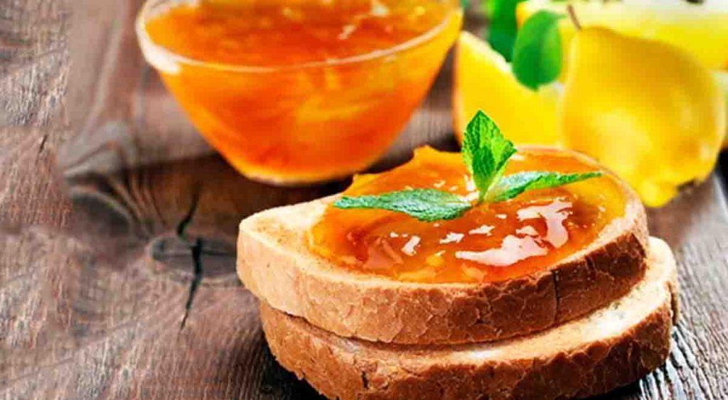 La marmellata di mele cotogne con soli 3 ingredienti e SENZA zucchero. Solo 57 Kcal!