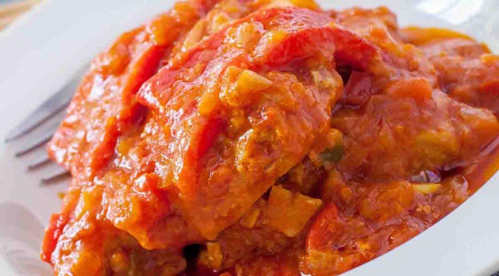 Preparate il pollo con le verdure così, non lo avete mai mangiato così buono. Solo 290 Kcal!