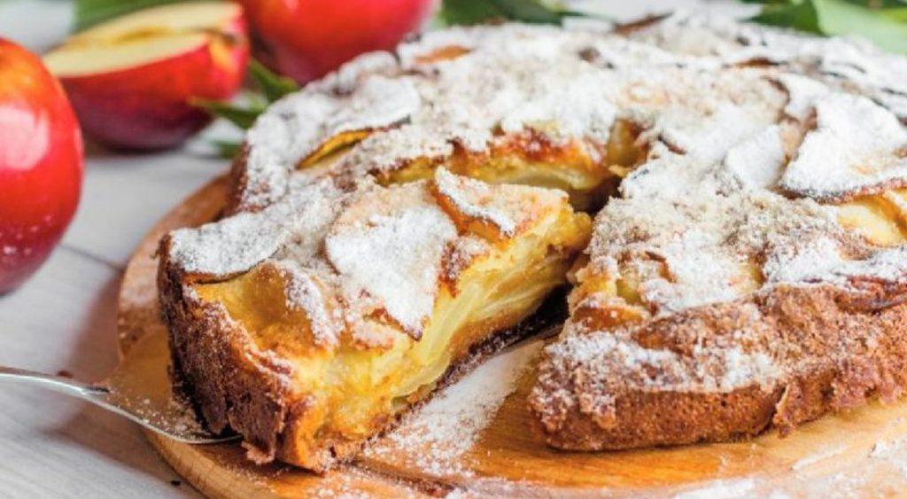Torta di mele del fornaio, un dolce così irresistibile che si scioglie in bocca. Solo 140 Kcal!